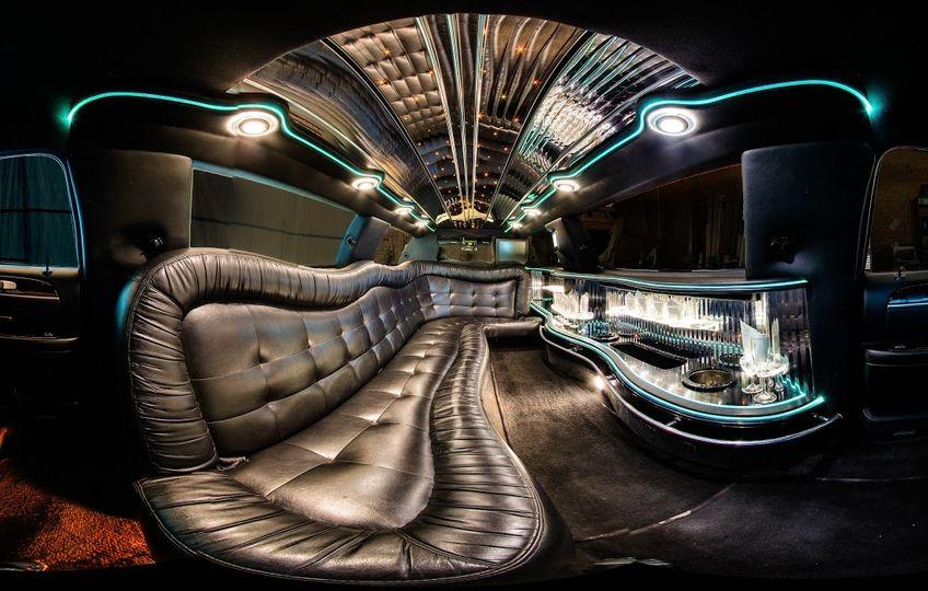 9 passenger Lincoln Towncar