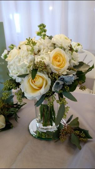 Cream and yellow roses