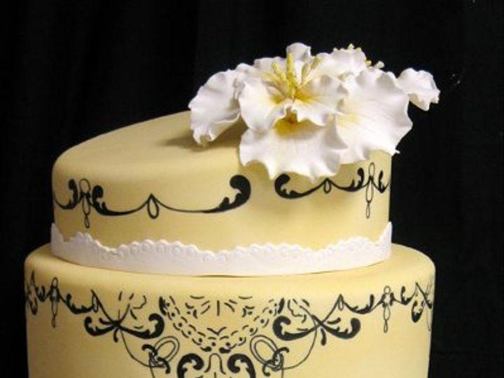 Tmx 1280698814603 Yellowdrawnflowerweddingcakemed Boston wedding cake