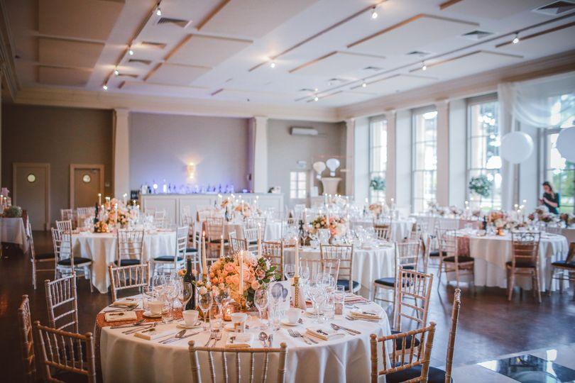 Classic white wedding set