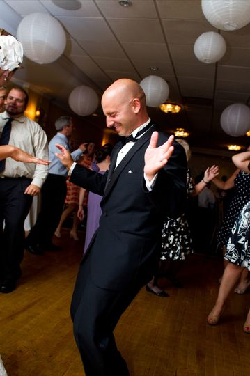 Grooms got Moves