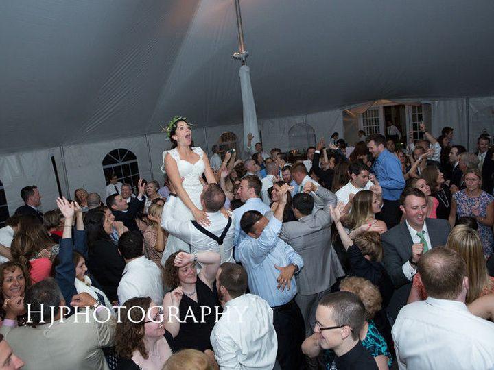 Tmx 1528044496 B8d10a42cbb3b69b 1528044495 7ebf696702685055 1528044474161 33 I M9kMvc4 L Bellmore, NY wedding band