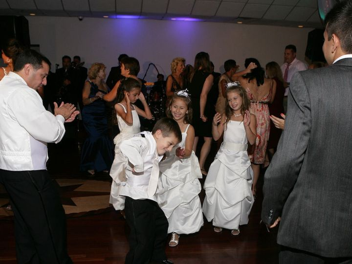 Tmx 1528044506 44ca4a032d8cf378 1528044503 86ad8e526a507709 1528044474171 45 Our Wedding 493 Bellmore, NY wedding band