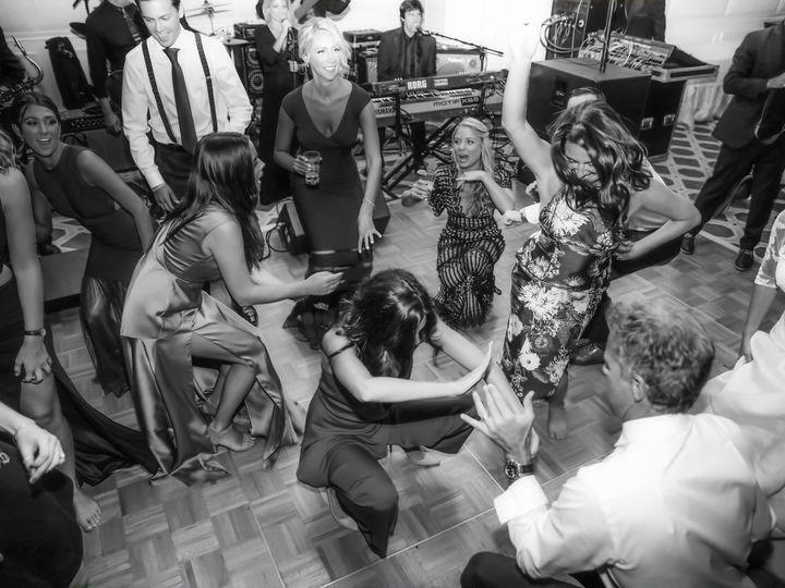 Tmx Crowdbw 51 75997 1559083531 Bellmore, NY wedding band