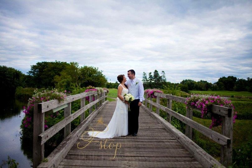 800x800 1416603192069 bride  groom   wooden bridge 1