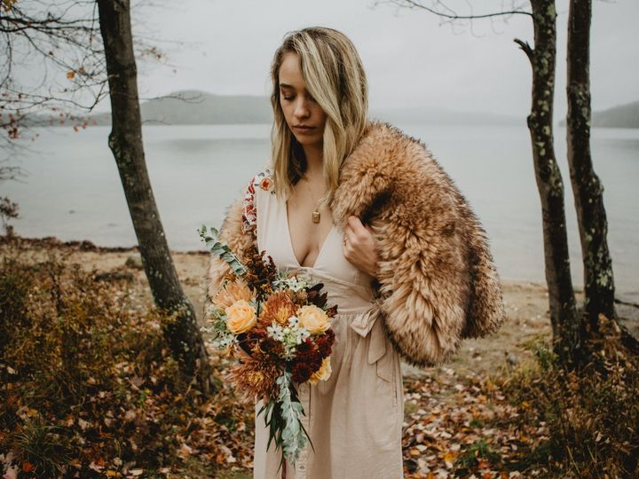 Tmx Img 0275 51 1958997 158718383274532 Spencer, MA wedding florist