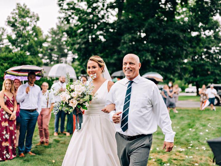 Tmx Img 2884 51 1958997 161042651891742 Spencer, MA wedding florist