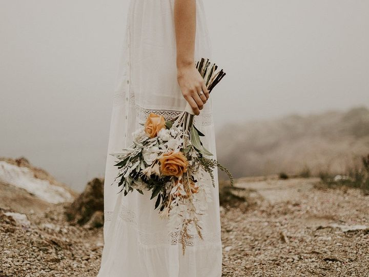 Tmx Img 4437 51 1958997 158718382961873 Spencer, MA wedding florist