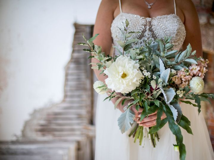 Tmx Img 4473 51 1958997 158718385841881 Spencer, MA wedding florist