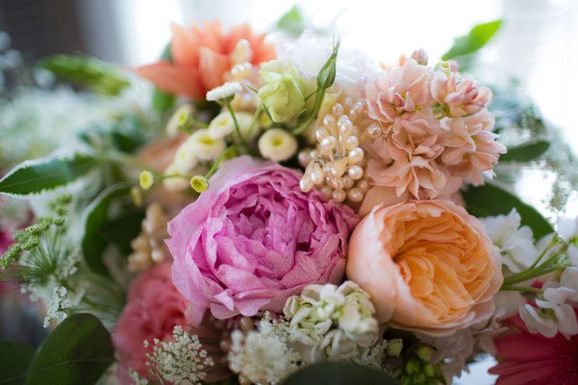 dd70a2c78f7ab44c 150627 KevinLydia florals 5