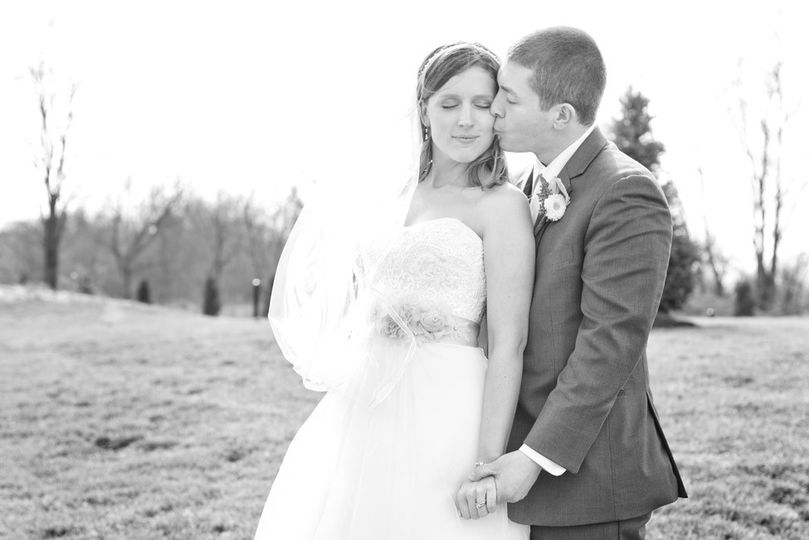 Newlyweds in black and white - Kate Cherry Photography, LLC