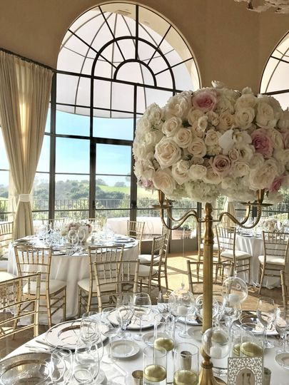 Romantic Centerpiece with blush and ivories