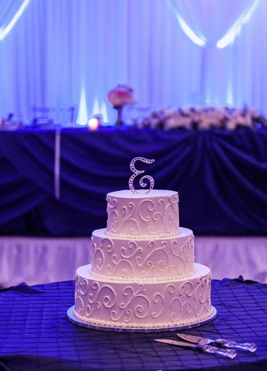 3 layered simple white wedding cake