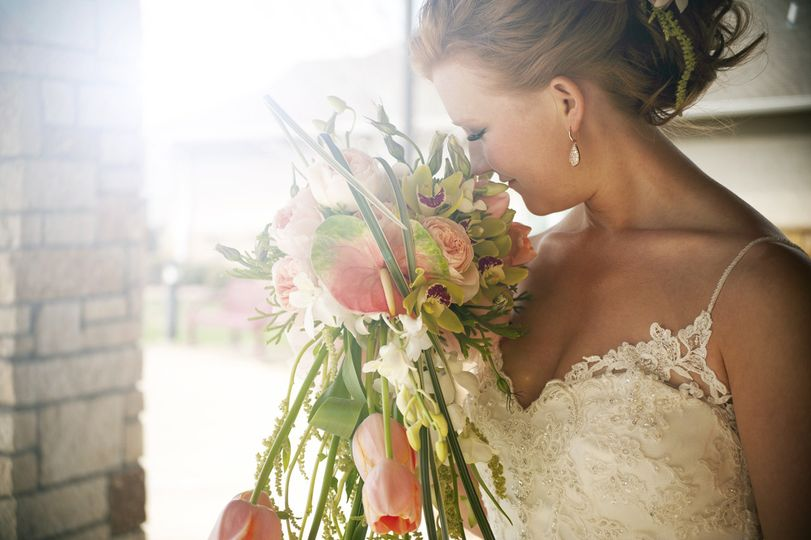 Smelling the flowers (Chelsea Reeck Photography)