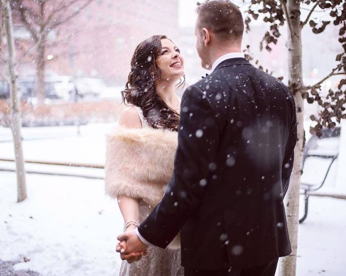In the falling snow (Chelsea Reeck Photography)