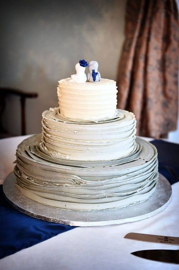 Wedding cake with figurine