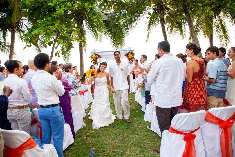 Beach wedding at Alma del Pacifico, Puntarenas, Costa Rica