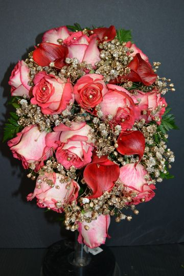 Coral roses with fancy tips
