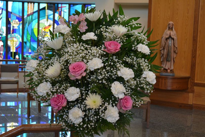 Elegant ceremony arrangement