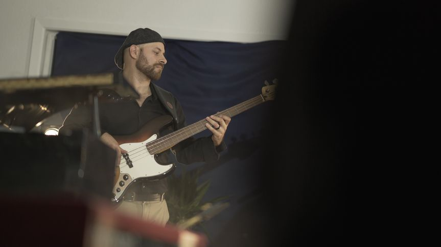 Danny - Bass