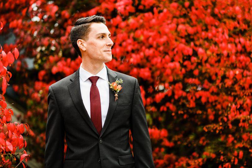 Groom fall photo.