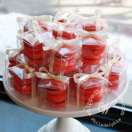 macaron favor box red