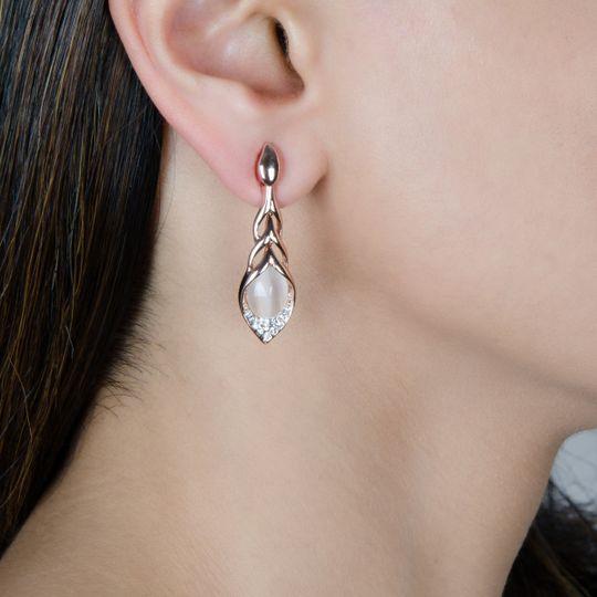 Pearl dangling earing