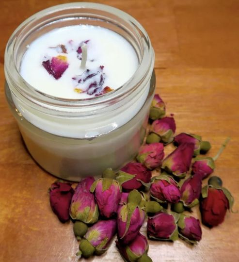 ROSE PETALS SOY CANDLE This all natural Soy Candle is scented with the timeless scent of Roses....