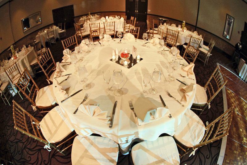 800x800 1374701585974 table set up with chiavaris