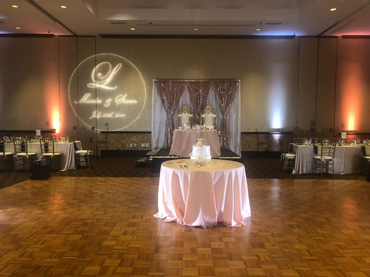 Tmx Cake Head Table 51 3308 1572990523 Aurora, Ohio wedding venue