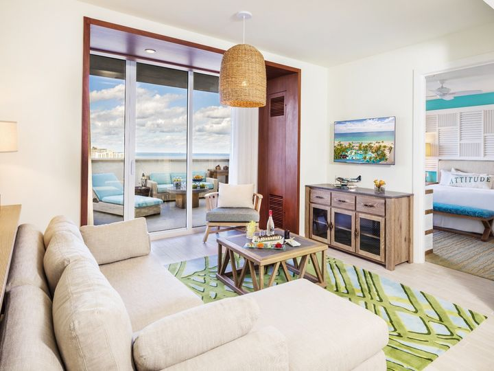 Tmx One Bedroom Suite King Bed Partial Deluxe Ocean View Living Room 51 727308 158810627861911 Hollywood, FL wedding venue