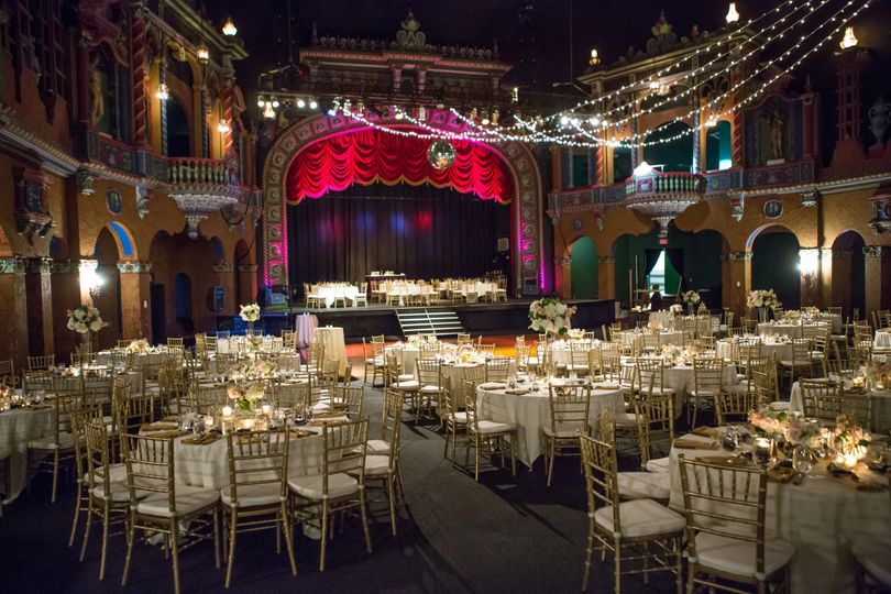 Uptown theater venue kansas city mo weddingwire 800x800 1472754169952 larson wedding reception 0002 junglespirit Image collections