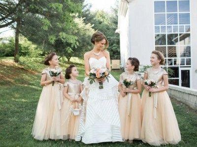 bride flower girls