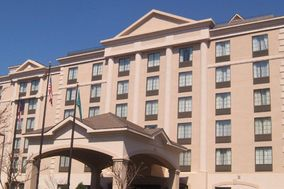 Holiday Inn Hotel & Suites Raleigh-Cary (I-40 @walnut St)