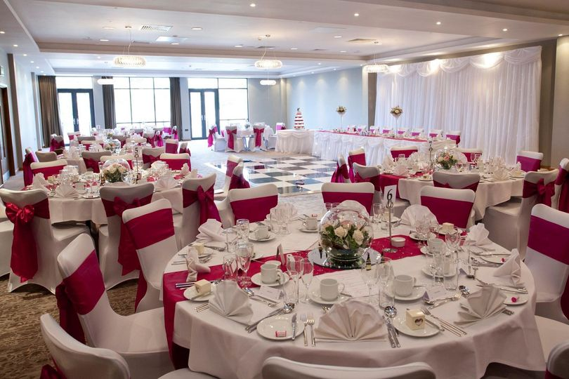 doubletree by hilton hotel lincoln wedding tables