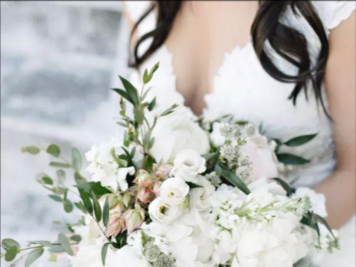Tmx Bouquet White479 51 415408 160398379191196 Farmingdale, NY wedding florist
