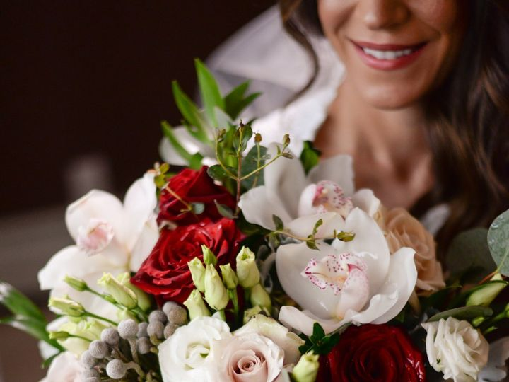 Tmx Bouquet Winter45 51 415408 160398407840707 Farmingdale, NY wedding florist