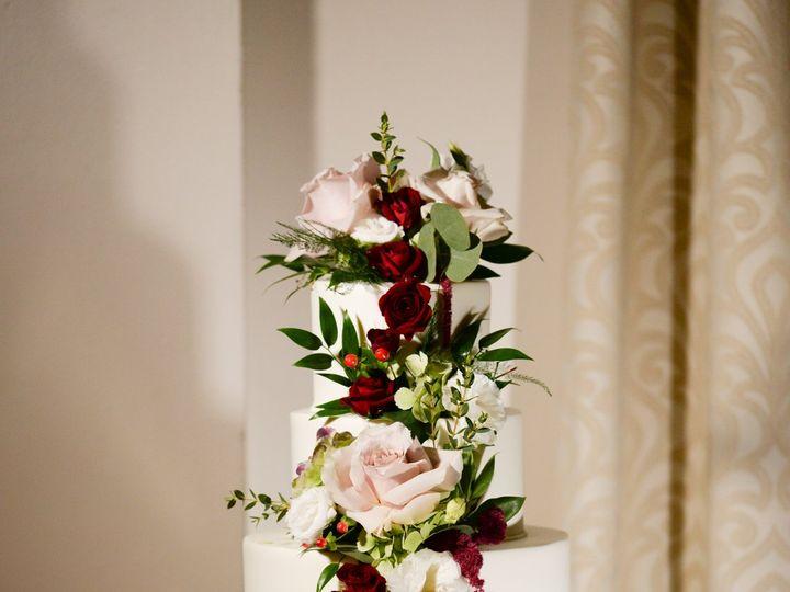 Tmx Cascadingcake41 51 415408 160398407959706 Farmingdale, NY wedding florist