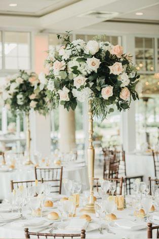 Tmx Centerpiece1 51 415408 160398375629158 Farmingdale, NY wedding florist
