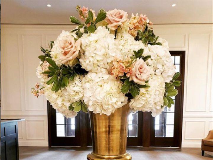 Tmx Escorturn186 51 415408 160398400930787 Farmingdale, NY wedding florist