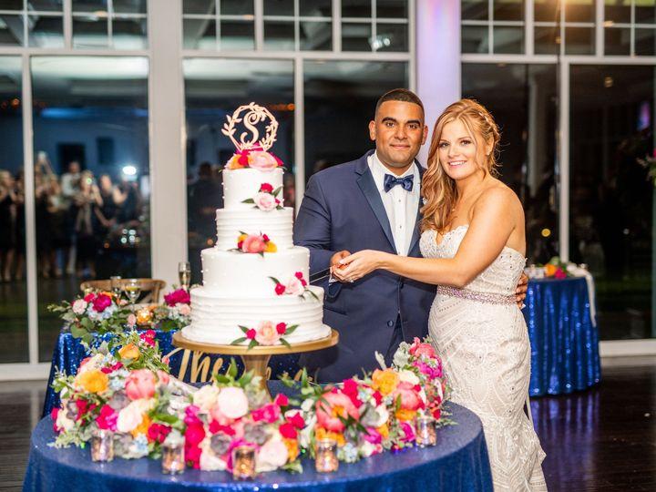 Tmx Img 2251 51 415408 160398392994400 Farmingdale, NY wedding florist