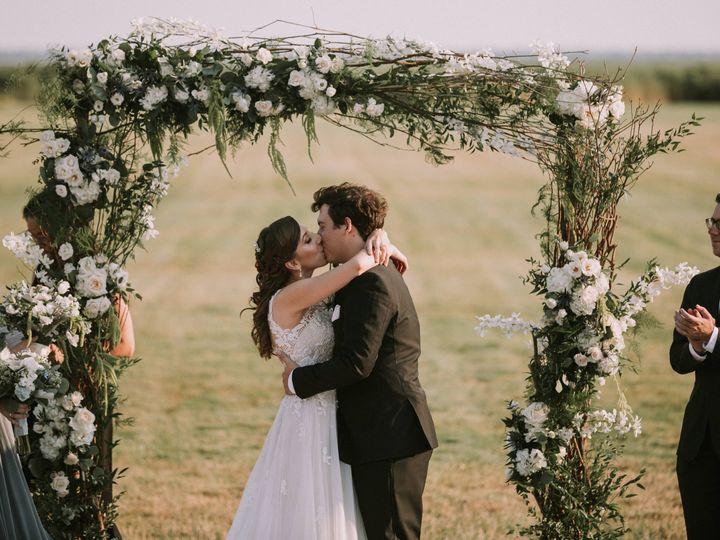 Tmx Kristen And Andrew 072719 0836 51 415408 160398400031604 Farmingdale, NY wedding florist