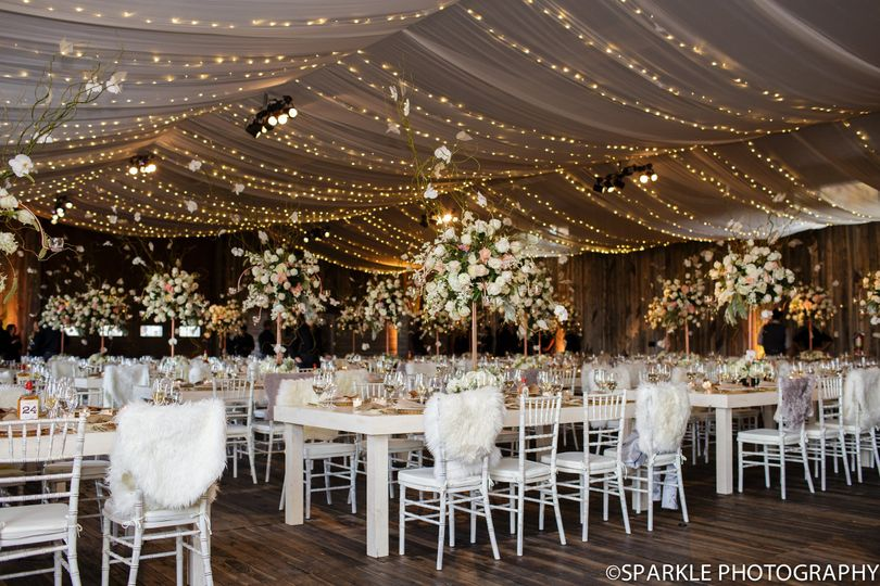 Blue Sky Ranch, Wanship, Utah  Photography by Sparkle Photography, Florals by Silver Cricket