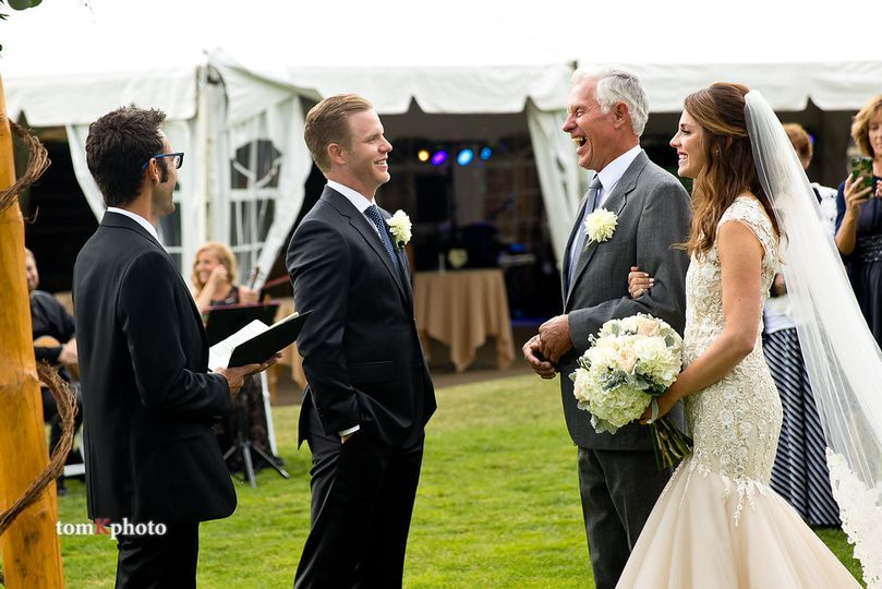 Groom meets the parent of the bride | tomKphoto