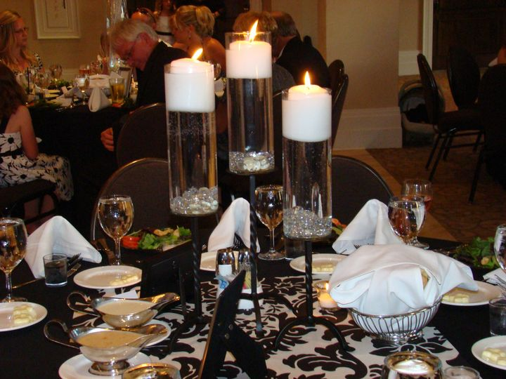 CENTERPIECE CREATES AN ATMOSPHERE OF ROMANCE!