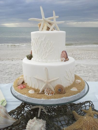 800x800 1384968308477 beach wedding cak