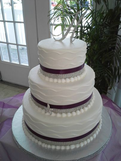 3-tier cake with violet details