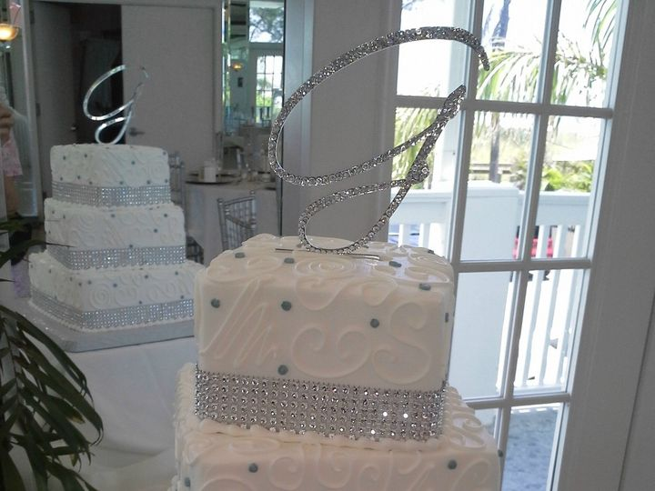 Tmx 1384970779229 Swiggles And Swirls Bling Ribbon With Silver Dot Saint Petersburg, Florida wedding cake