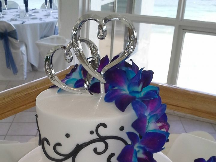 Tmx 1384971107651 Wedding Cake White With Black Scroll Electric Blue Saint Petersburg, Florida wedding cake