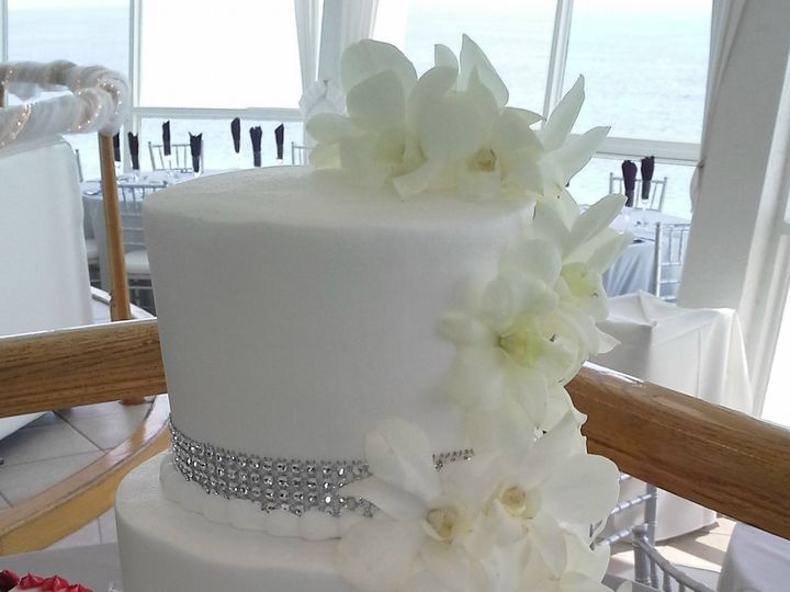 Tmx 1384971183659 White Orchid Bling Ribbon Wedding Cak Saint Petersburg, Florida wedding cake